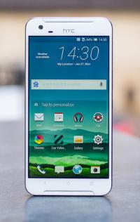 HTC One X9 op tafel